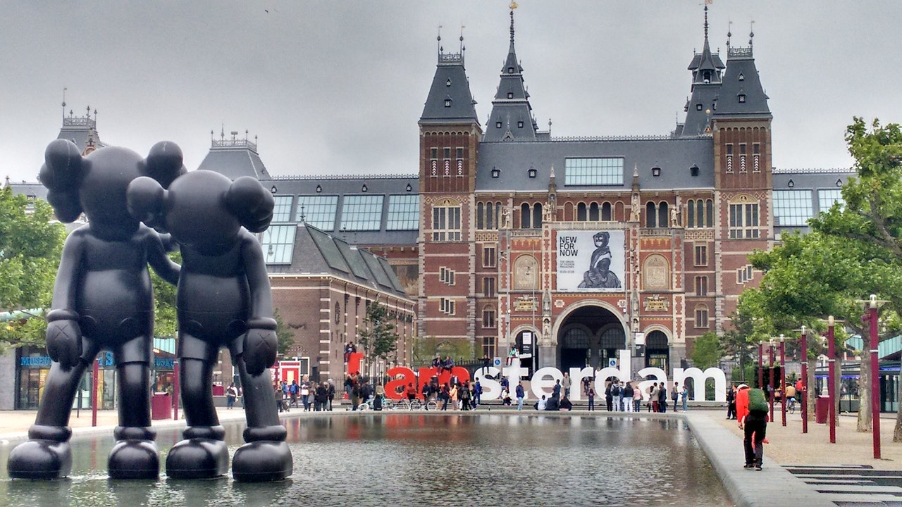 Flyv til Holland og lej en bil for en fed opdagelsesferie